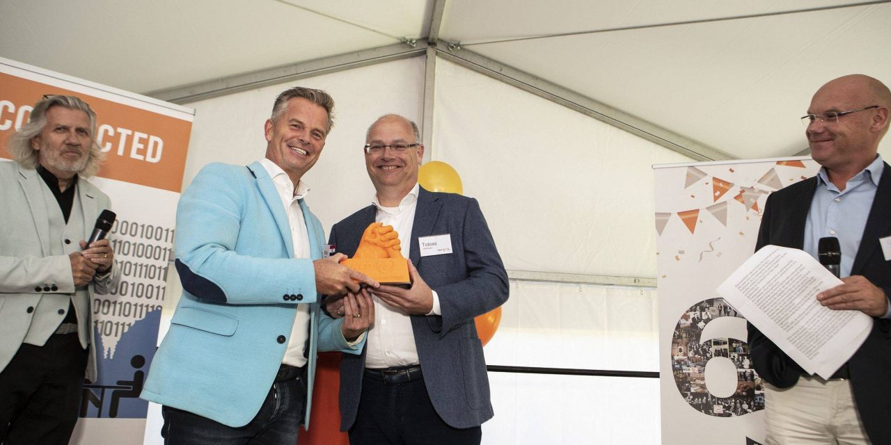 Bob Hutten wint Leadership Award 2018