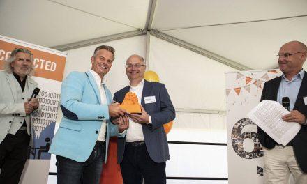 Bob Hutten wint Leadership Award 2018