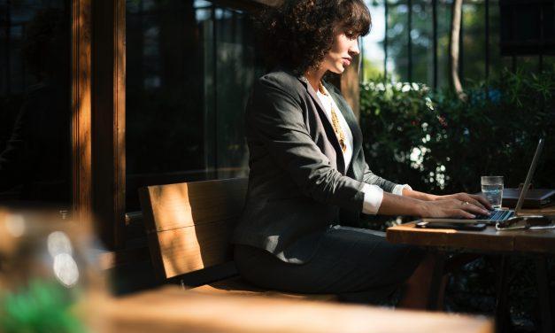 'Vrouwelijke commissarissen ontvangen minder salaris dan mannelijke collega's'