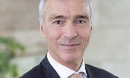 PostNL strikt voormalig financieel topman ING