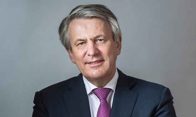 Topman Shell in beeld bij Raad van Commissarissen Daimler